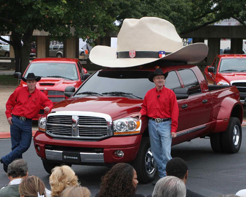 Pickup truck with cowboy hat